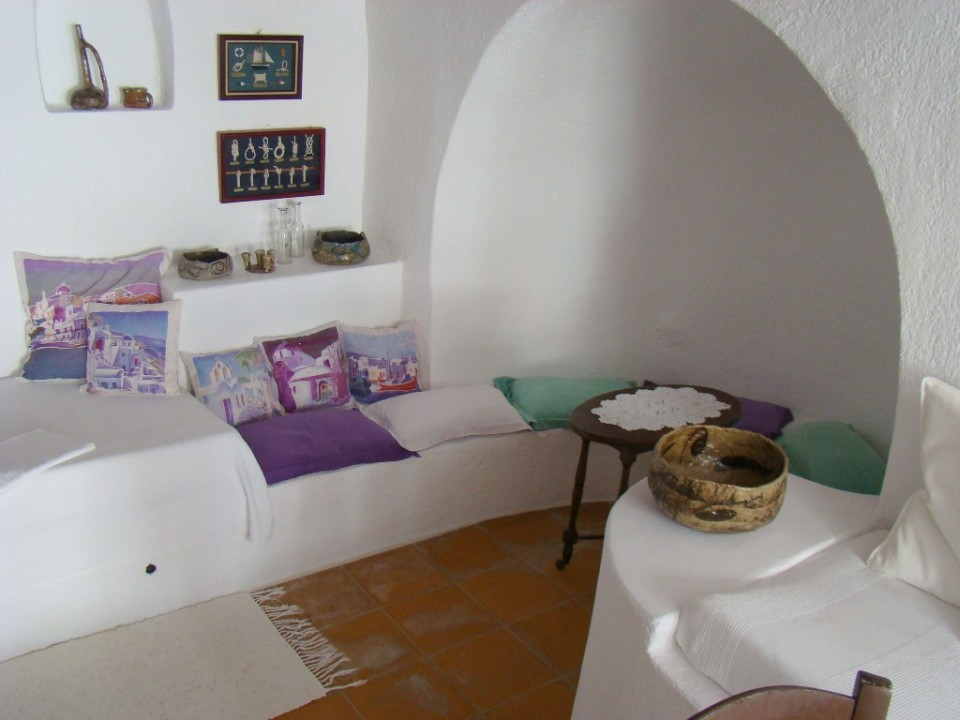 bedroom-Aris-Caves-6